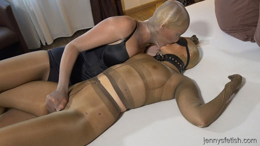 love girls pantyhose encasement